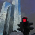 Deutsche Bank: Kurshalbierung?